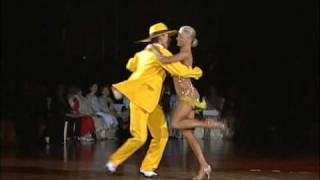 "getlinkyoutube.com-Maxim Kozhevnikov & Yulia Zagoruychenko - Show Dance ""The Mask"" (WSSDF2007)"