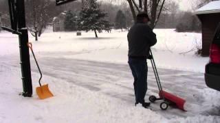 getlinkyoutube.com-Amazing snowplow clears driveway fast. No shovels