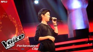 getlinkyoutube.com-The Voice Kids Thailand - ปลั๊กกี้ ธรากร -  Flashlight - 17 Jan 2016