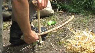 getlinkyoutube.com-How to start a fire by friction