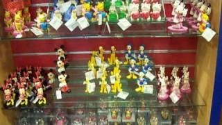 getlinkyoutube.com-Disneyland Paris 2008 (Shopping Part I)