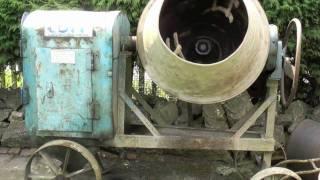 getlinkyoutube.com-Petter Diesel - Cement Mixer