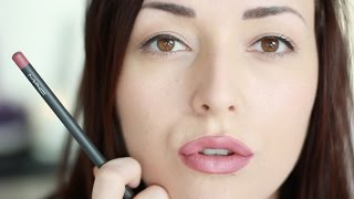 getlinkyoutube.com-Kylie Jenner lip look   Beautygloss