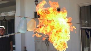 getlinkyoutube.com-เล่นกับลูกโป่งไฟ ในสโลโมชั่น!!