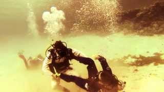 getlinkyoutube.com-Underwater Brazilian Jiu Jitsu MANTO (GoPro 2013)