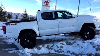 getlinkyoutube.com-Lifted 2017 Toyota Tacoma with a TRD Pro Grill on 285/70R17 Tires