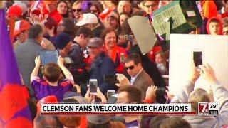 getlinkyoutube.com-Clemson fans welcome home champions