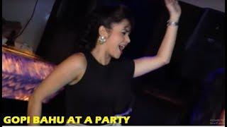 getlinkyoutube.com-Saath Nibhana Saathiya - Devoleena Bhattacharjee - Gopi Bahu Hot Dance | Star Plus Serials News 2017