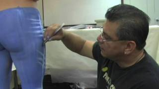 getlinkyoutube.com-Mark Reid - Body Painter - Body Painting Jeans