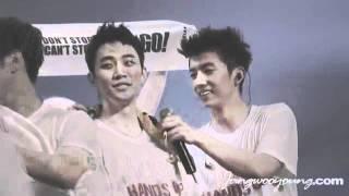 getlinkyoutube.com-[Fancam] 110903 Wooyoung Junho 2PM Hands Up Asia Tour Concert Seoul - Ending Cut