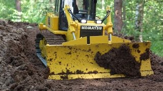 getlinkyoutube.com-Best of RC Dozer KOMATSU D65WX-17 pushing hard soil