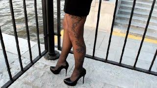 getlinkyoutube.com-Fashion print  grey pantyhose & black high heels. I am posing on the quay.