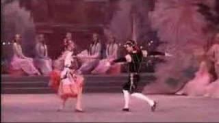 マリインスキー バレエ「チョコレート − スペインの踊り」の画像