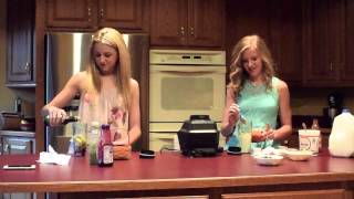 getlinkyoutube.com-Smoothie Challenge with Paige & Chloe