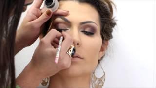 Maquiagem Neutra para côncavos marcados por Mariana Saad