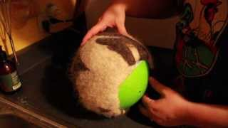 getlinkyoutube.com-Hat Felting Process (on a Ball)