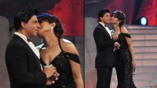 getlinkyoutube.com-Priyanka Chopra Kisses Shah Rukh Khan