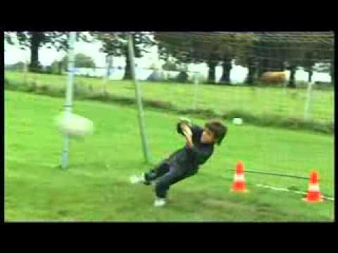 Dailymotion - Entrainement Gardien de but 8 ans  - une vidéo Sports et Extrême.flv