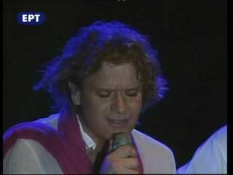 Πέτρος Γαϊτάνος ΄΄ Σύνορα η αγάπη δε γνωρίζει ΄΄  Petros Gaitanos Live