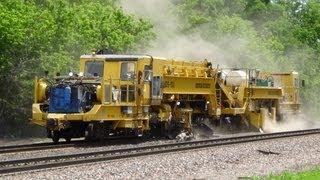 getlinkyoutube.com-Working BNSF Ballast Distribution System at Agency, Iowa