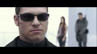 getlinkyoutube.com-Resident Evil: AfterLife. Chris, Claire & Alice VS Wesker. Fight Scene. HD 1080p.