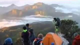 getlinkyoutube.com-Misteri Suara Adzan di Gunung Slamet Saat 3 Pendaki Tersesat