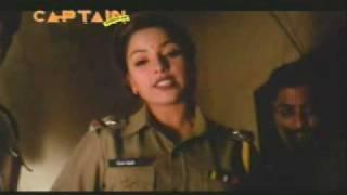 getlinkyoutube.com-India Lady Police Suvarna torture goon in jail lockup.