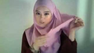 Cara Memakai Jilbab Model Syiria Shawl.FLV view on youtube.com tube online.