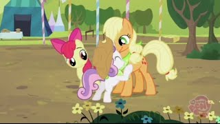 getlinkyoutube.com-Carrera de Hermanas con Sweetie Belle, Applejack y Rarity? || La hermandad en los cascos 02x05