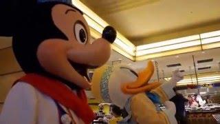 シェフ・ミッキーでミニーがドナルドとキッス!ミッキーが失恋か?