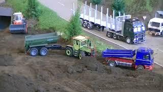getlinkyoutube.com-RC Truck Action - LKW Trucks Baufahrzeuge und Bagger in Aktion - Modellbau Friedrichshafen