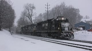 getlinkyoutube.com-Trains in the Snow on the Norfolk Southern Harrisburg Line on Thanksgiving