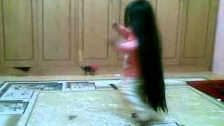 getlinkyoutube.com-بنت شعره طويل