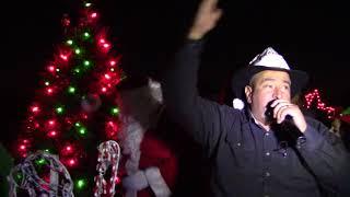 La Mega 100.5 FM iluminó su árbol de Navidad con una fiesta de mucho color y alegría