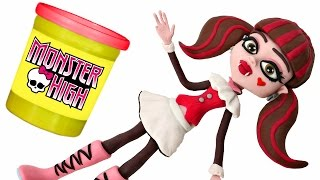 getlinkyoutube.com-Monster High Doll Animated STOP MOTION video *** Play doh + Chocolate Surprise Balls