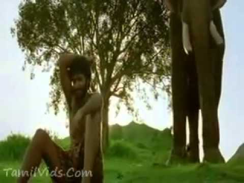 Onnum Puriyala Kumki video song