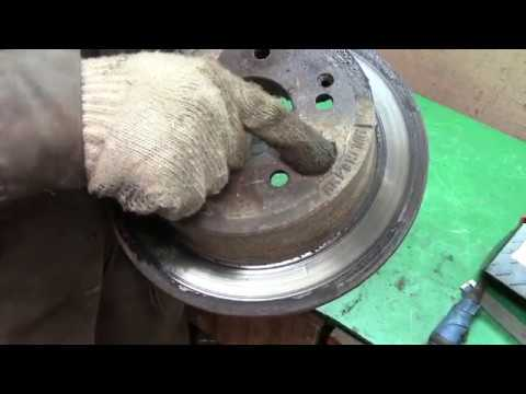 Замена задних тормозных дисков и тросиков ручника SsangYong new action