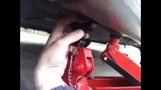 getlinkyoutube.com-How to properly jack up a car