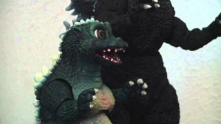getlinkyoutube.com-Godzilla & Little Godzilla stop motion