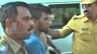 getlinkyoutube.com-Brutally Killing a Boy in Kerala ( Trivandrum ) - police bringing accused into crime scene