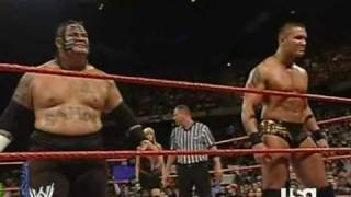 getlinkyoutube.com-Triple H vs. Randy Orton & Umaga (1/2)