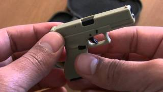 getlinkyoutube.com-Mini Glock 17 1/3 Pistol (HD)