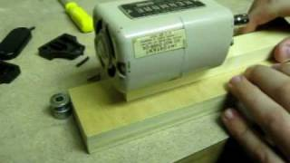 getlinkyoutube.com-Micro Wood-Lathe: How to make it with a SEWING MACHINE MOTOR