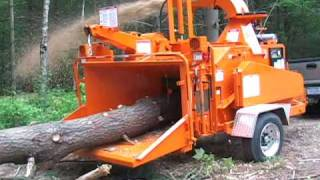 "getlinkyoutube.com-Bandit Model 1590, 1590XP  - 18"" capacity drum chipper - our most popular!"