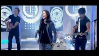getlinkyoutube.com-Lena - Satellite (Live on This Morning UK  17-06-10)