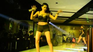getlinkyoutube.com-Nikita Mirzani Perform at NewTown Executive Club Jakarta WILD WEDNESDAY Party Event