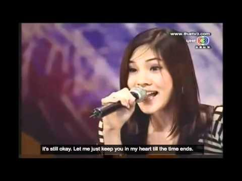 Waria Cantik Bersuara Emas. Bell, tampil memukau di acara Thailand Got Talent. yang mengejutkan, dia ini seorang transgender. Saat bernyanyi ia menunjukkan keunikkannya, dia tidak ragu menunjukkan suara cewek yg halus dan cowok yg berat. Bagus!
