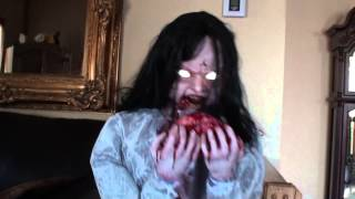 getlinkyoutube.com-Animatronic Rosemary Zombie Girl Animated Prop