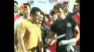 getlinkyoutube.com-Tiger, Salman, Aamir, Hrithik, Imraan & Others at Charity Football Match Organized By Ira Khan  5