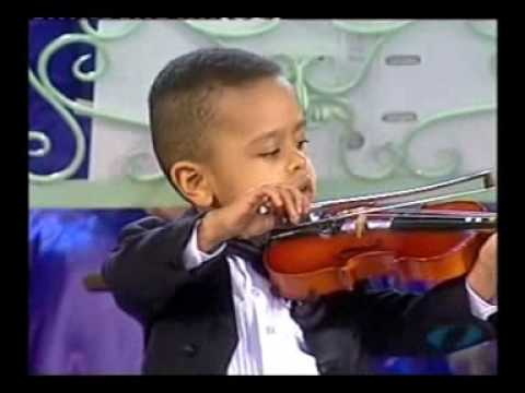 Andre Rieu & 3 year old violinist, Akim Camara 2005